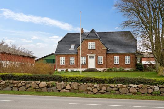 Planteavlsgård på Høve Bygade i Asnæs - Ejendommen