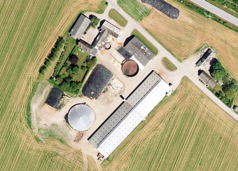 Kvæggård på Søndervangsvej i Sjællands Odde - Luftfoto