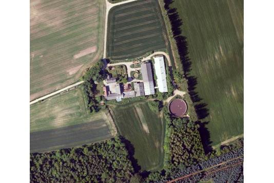 Svinegård på Langmosevej i Østervrå - Luftfoto