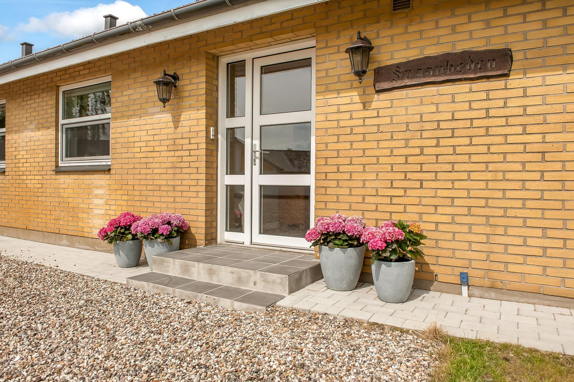 Planteavlsgård på V Hassingvej i Hjallerup - Indgangsparti