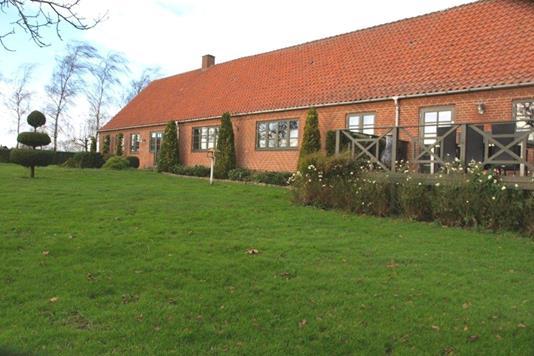 Planteavlsgård på Tårup Skovvej i Stubbekøbing - Forsidebillede