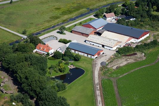 Planteavlsgård på Fårevejle Kanalvej i Fårevejle - Ejendommen