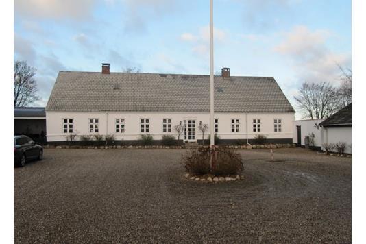 Planteavlsgård på Hvejselvej i Jelling - Andet