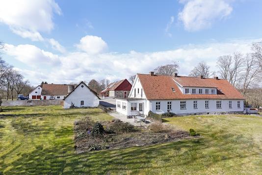 Planteavlsgård på Sundvejen i Kolind - Mastefoto