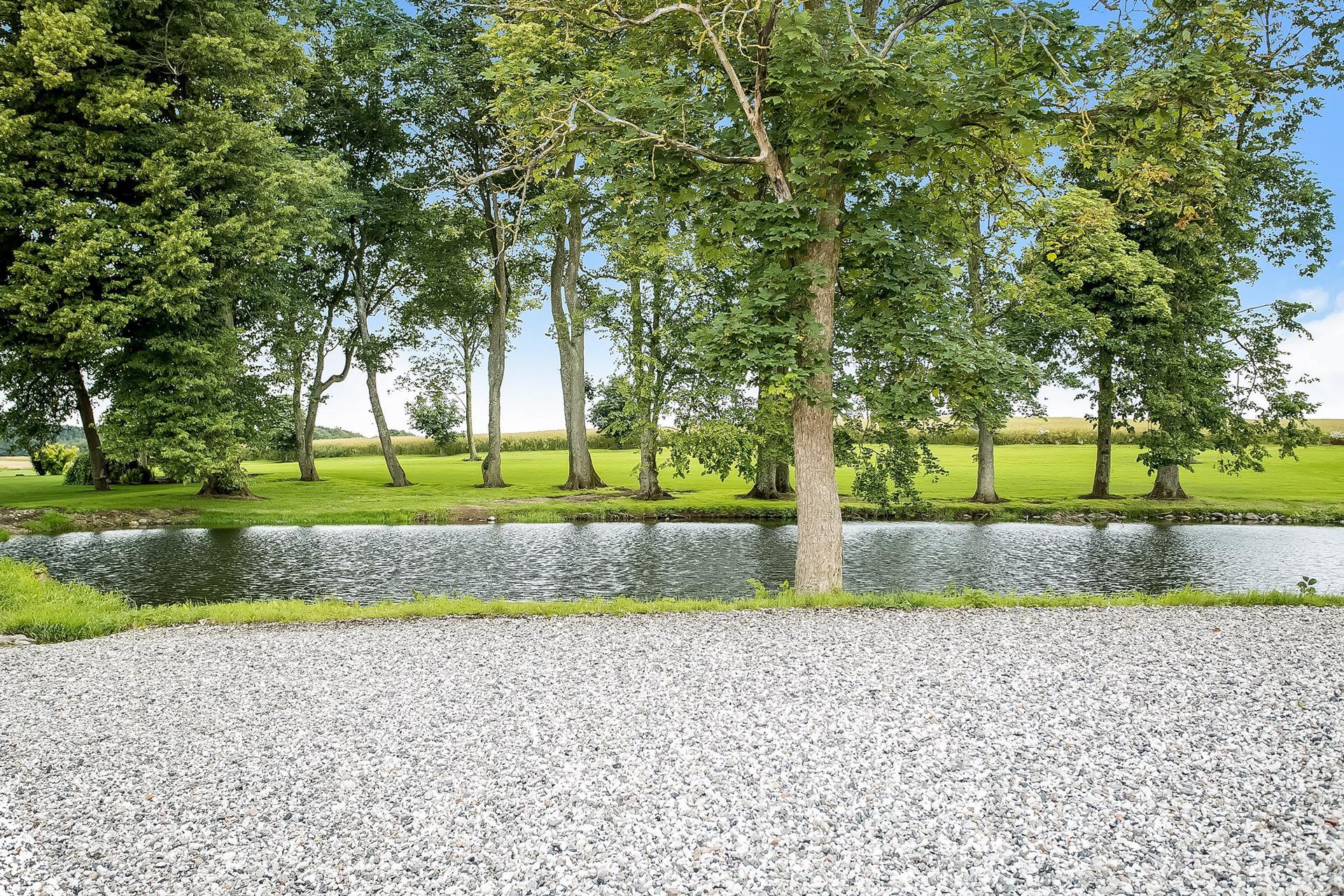 Planteavlsgård på Sønderskovvej i Kolind - Ejendommen