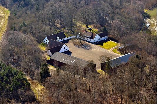 Planteavlsgård på Ellegårdvej i Kolind - Luftfoto