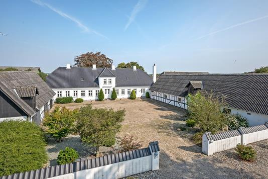 Planteavlsgård på Mullerødvej i Haarby - Ejendommen