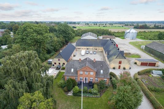 Svinegård på Lunde Bygade i Otterup - Luftfoto