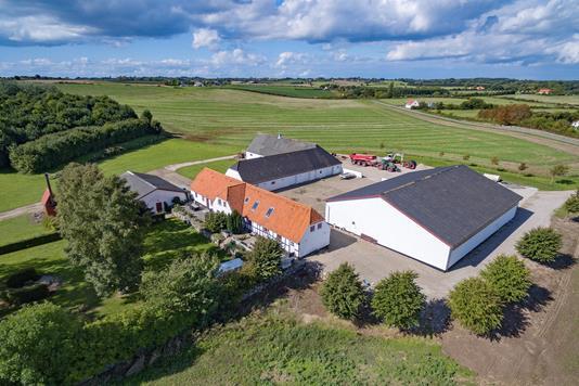 Planteavlsgård på Bjerne Langgyde i Faaborg - Luftfoto