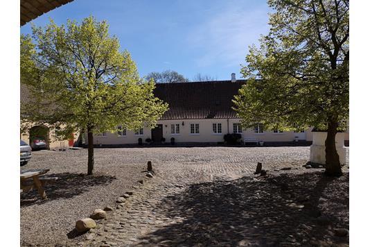 Planteavlsgård på Kildegårdsvej i Nørre Aaby - Gårdsplads