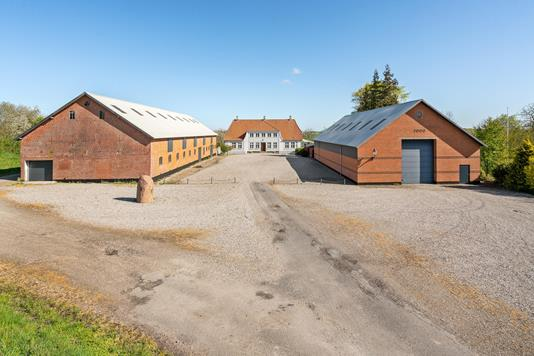 Planteavlsgård på Ravnbjerg i Christiansfeld - Ejendommen