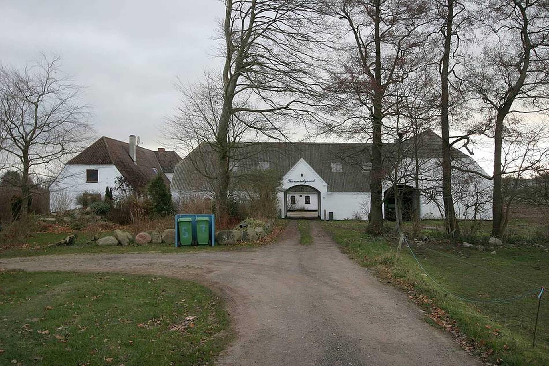 Kvæggård på Karendalsvej i Haarby - Ejendommen